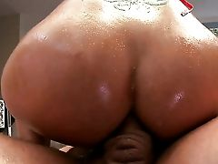 Syren De Mer With Giant Hooters Is An Ass Fucking Breezy Who Knows What To Do With Ramons Erect Meat Pole