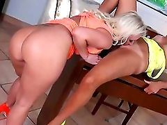 Beautiful Dark-haired Damsel With A Smoking Hot Suntanned Figure Molly Cavalli Is Being Slurped Out By The Blonde Doll Skarlit Knight, While Laying Do