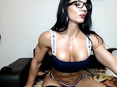Muscle Latina Shows Her Bod And Smoking On Webcam