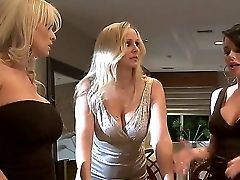 Beautiful Buxom Blonde Stormy Daniels Has A Longing For Some Hard Youthful Dick Inwards Her Taut Mummy Puss, And Shes Going To Get Slew Of It Briefly