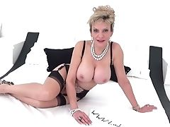 Brit Cougar Lady Sonia Taunting You With Her Big Globes