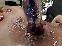 Blonde Horny Bitch Dee Siren In Stockings Likes Inserting A Humungous Fake Penis In Her Driping Raw Muff
