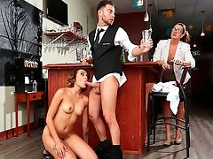 Sneaky Hook-up – Raw Bar
