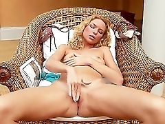 The Ravishing Blonde Superstar Summer Breeze With A Smallish Tits Masturbates Her Smoothly-shaven Labia