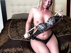 Rich Titted Auburn Cougar Is Engaged With Sucking Strong Dick For Man-cream