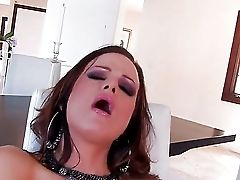 Janessa Jordan Spreads Her Sweet Gams And Caresses Her Trimmed Cooch On The Camera