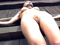 Domineering Lady Loves Tantalizing Her Sexy Slavegirl Starlet. Hd