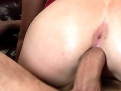 Wild Hot Rump Sluttie Sindee Jennings Plays With Thick Dick In A Hot Bang