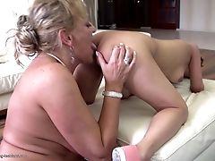 Mom Instructing Chick True Lesbo Love