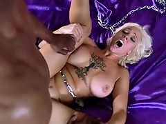 Huge-titted Cougar Gets Black Dick To Have Fun With